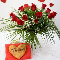 Para San Valentín Corazón de Hojaldre con Ramo de Rosas Rojas Flores Navarro
